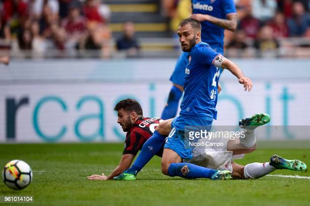 Patrick Cutrone of AC Milan scores a goal during the Serie A football match between AC Milan and ACF Fiorentina AC Milan won 51 over ACF Fiorentina
