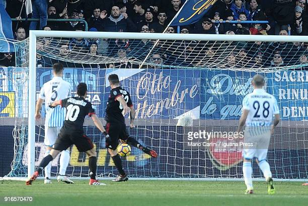 Patrick Cutrone of AC Milan scores his team's and his personal second goal during the serie A match between Spal ond AC Milan at Stadio Paolo Mazza...