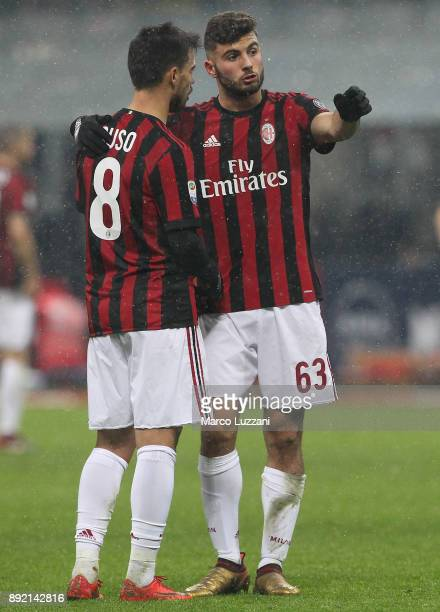 Patrick Cutrone of AC Milan speaks to Fernandez Suso of AC Milan during the Serie A match between AC Milan and Bologna FC at Stadio Giuseppe Meazza...