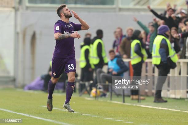 Patrick Cutrone of ACF Fiorentina celebrates after scoring a goal at Stadio Artemio Franchi on January 15, 2020 in Florence, Italy.