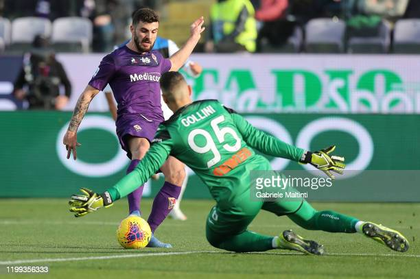 Patrick Cutrone of ACF Fiorentina in action during the Serie A match between ACF Fiorentina and Atalanta BC at Stadio Artemio Franchi on February 8...