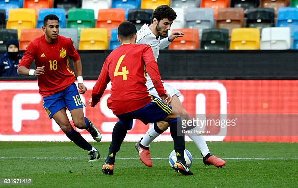 Patrick Cutrone of Italy U19 competes with Alex Martin Valeron of Spain U19 during the U19 International Friendly match between Italy U19 and Spain...