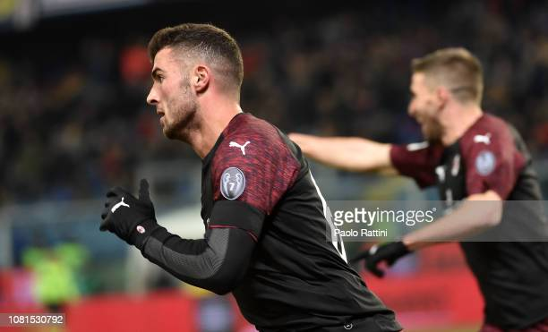 Patrick Cutrone of Milan celebrates after score during the Coppa Italia match between UC Sampdoria and AC Milan at Stadio Luigi Ferraris on January...