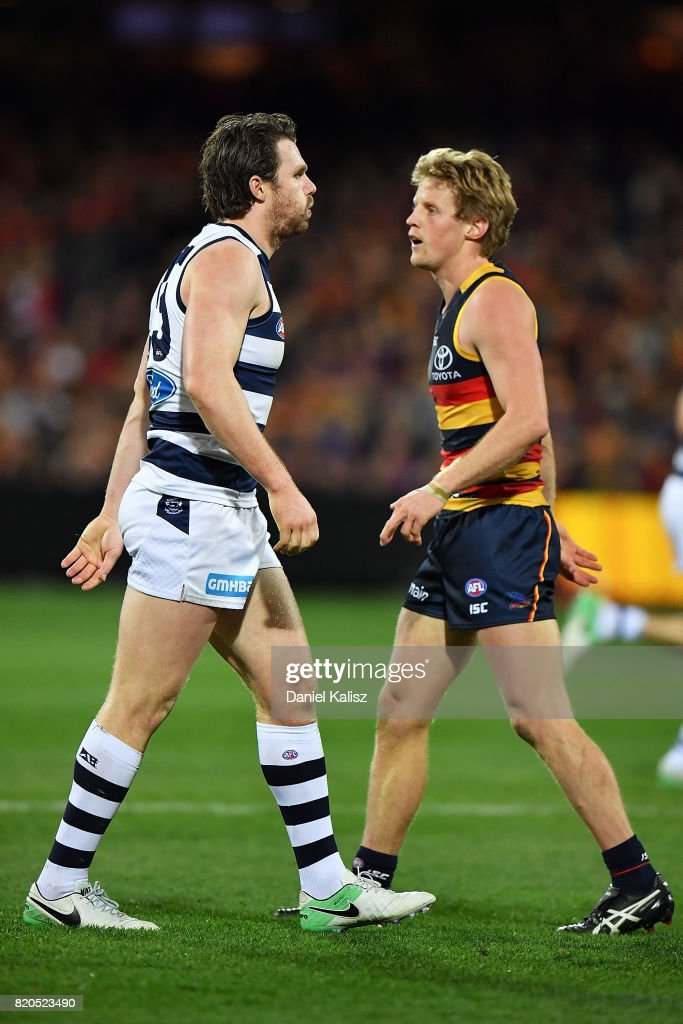 AFL Rd 18 - Adelaide v Geelong : News Photo