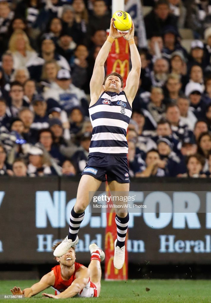 Patrick Dangerfield of the Cats marks the ball during the 2017 AFL Second Semi Final match between the Geelong Cats and the Sydney Swans at the Melbourne Cricket Ground on September 15, 2017 in Melbourne, Australia.