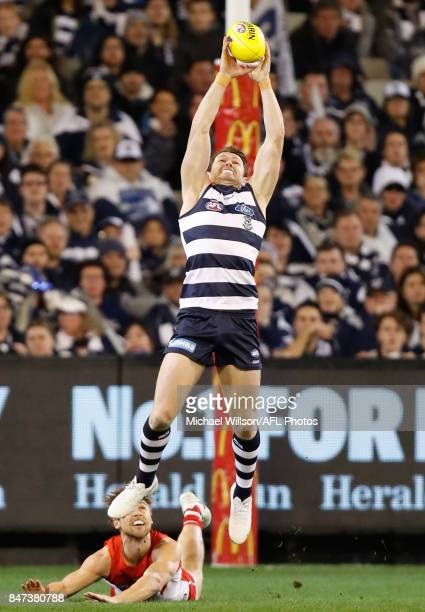 Patrick Dangerfield of the Cats marks the ball during the 2017 AFL Second Semi Final match between the Geelong Cats and the Sydney Swans at the...