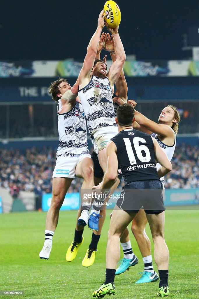 Patrick Dangerfield of the Cats marks the ball during the round 10 AFL match between the Geelong Cats and the Carlton Blues at GMHBA Stadium on May 26, 2018 in Geelong, Australia.