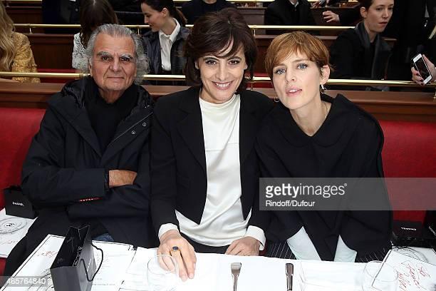 Patrick Demarchelier Ines de la Fressange and Stella Tennant attend the Chanel show as part of the Paris Fashion Week Womenswear Fall/Winter...
