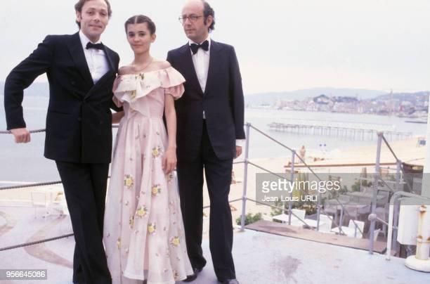 Patrick Dewaere Ariel Besse et Bertrand Blier pour le film 'Beau Père' lors du Festival de Cannes en mai 1981 France