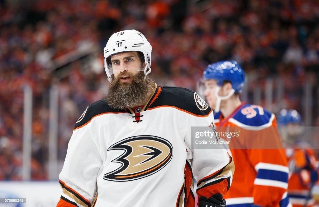 Anaheim Ducks v Edmonton Oilers - Game Three : News Photo