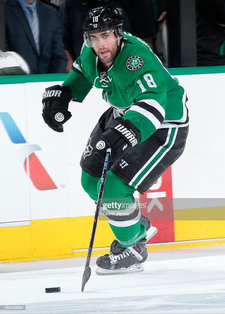 Patrick Eaves #18 of the Dallas Stars handles the puck against the Florida Panthers at the American Airlines Center on February 13, 2015 in Dallas, Texas.