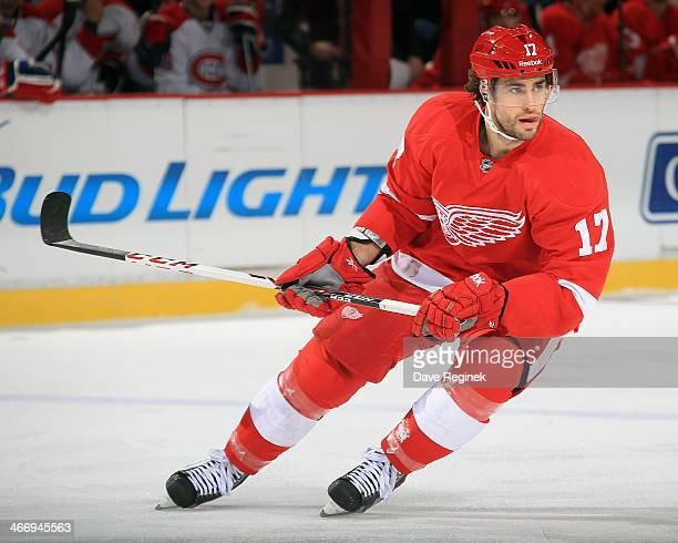 Patrick Eaves of the Detroit Red Wings turns up ice against the Montreal Canadiens during an NHL game on January 24 2014 at Joe Louis Arena in...
