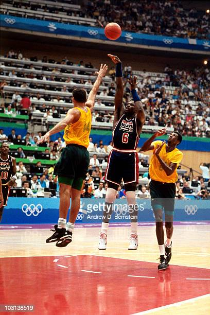 Patrick Ewing of the United States National Team shoots during the 1992 Olympics in Barcelona Spain NOTE TO USER User expressly acknowledges and...