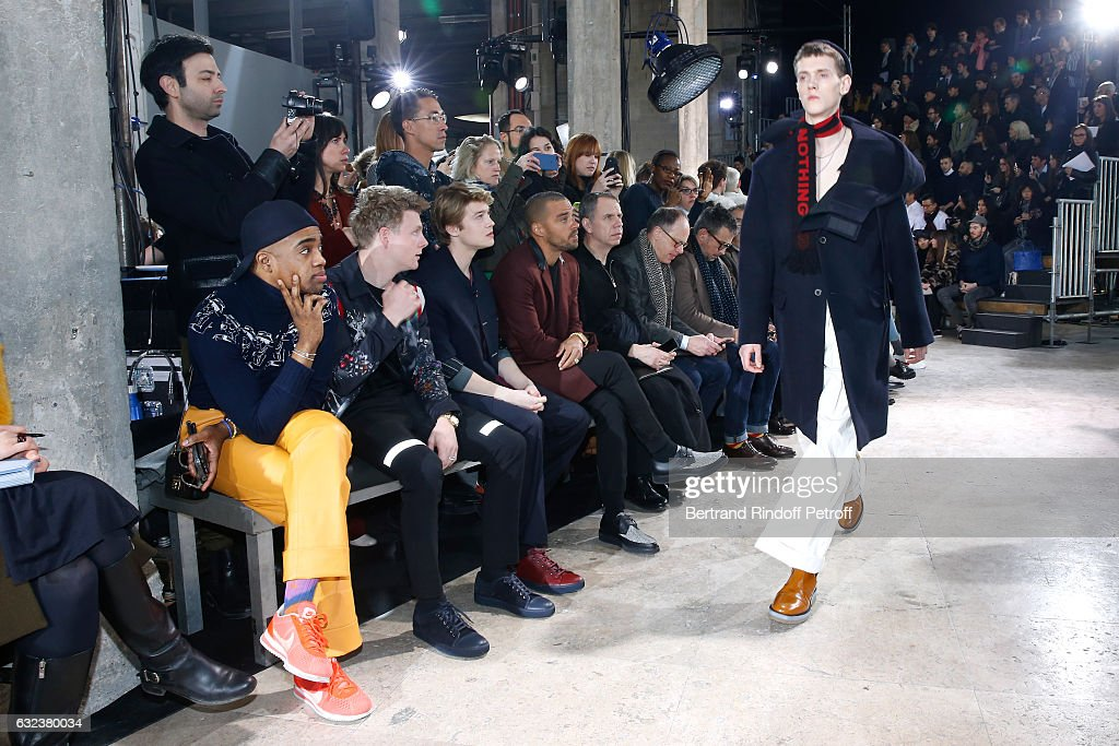 Lanvin: Front Row - Paris Fashion Week - Menswear F/W 2017-2018 : News Photo