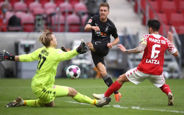 DEU: 1. FSV Mainz 05 v Borussia Moenchengladbach - Bundesliga