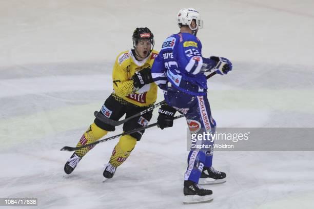 Patrick Joseph Mullen of Vienna and Yann Sauve of Villach during the Vienna Capitals v EC VSV Erste Bank Eishockey Liga at Erste Bank Arena on...