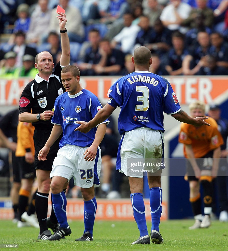 Patrick Kisnorbo of Leicester is sent off during the Coca-cola Championship match between Leicester City and Wolverhampton Wanderers at the Walkers Stadium on May 6,2007 in Leicester, England.