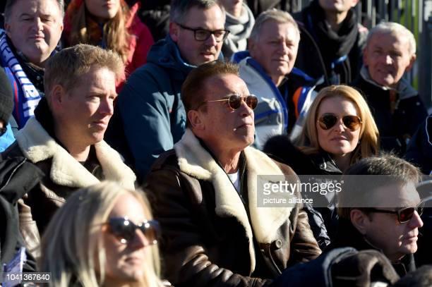 Patrick Knapp Schwarzenegger the actor Arnold Schwarzenegger and heather Milligan during a cockscomb race in Kitzbuehel Austria 21 January 2017 Photo...