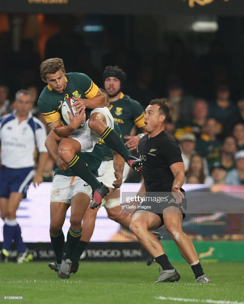 Patrick Lambie of South Africa up for a high ball during the The Rugby Championship match between South Africa and New Zealand at Growthpoint Kings Park on October 08, 2016 in Durban, South Africa.