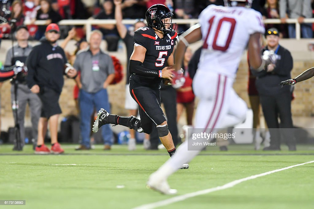 Patrick Mahomes II #5 of the Texas Tech Red Raiders runs the ball for a score during the game against the Oklahoma Sooners on October 22, 2016 at AT&T Jones Stadium in Lubbock, Texas. Oklahoma won the game 66-59.