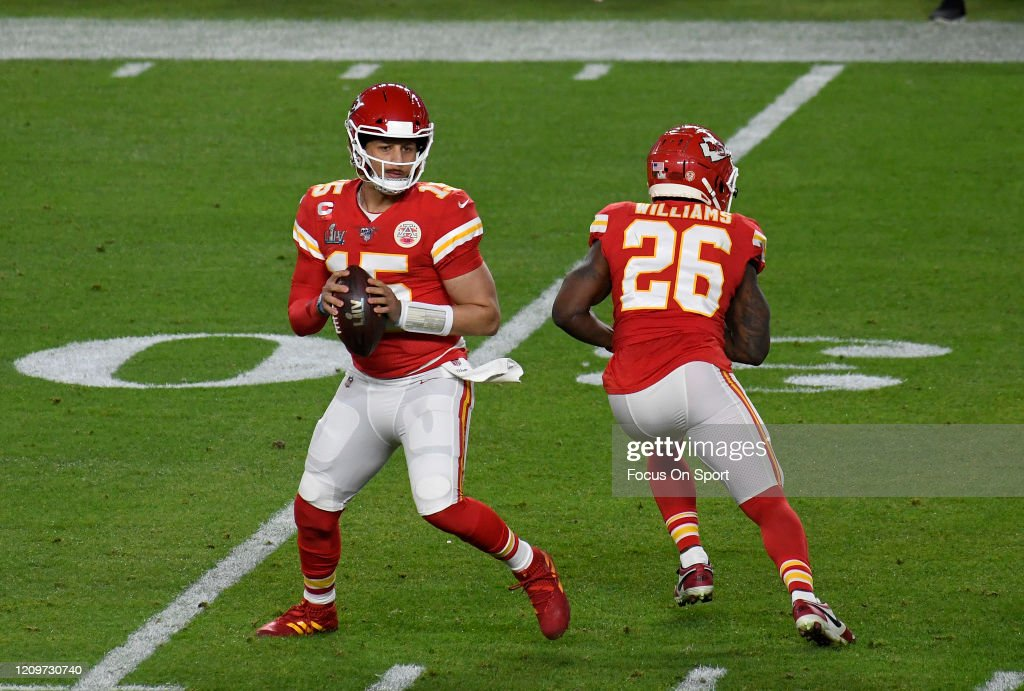 Super Bowl LIV - San Francisco 49ers v Kansas City Chiefs : News Photo