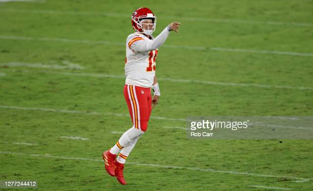 Patrick Mahomes of the Kansas City Chiefs reacts after a touchdown against the Baltimore Ravens d2qat MT Bank Stadium on September 28 2020 in...