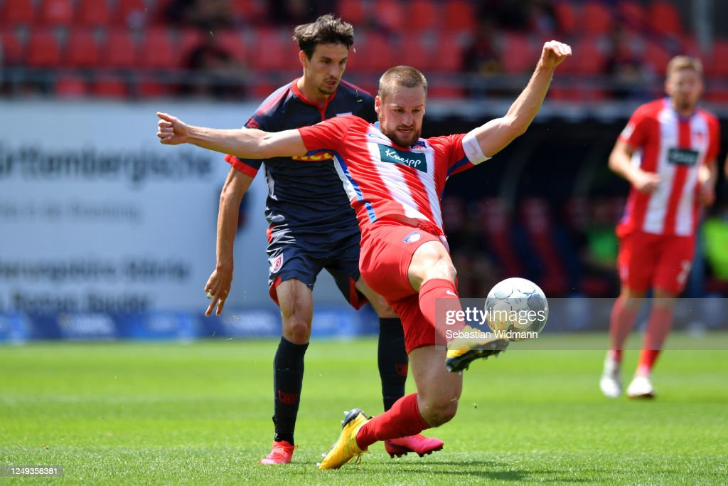1. FC Heidenheim 1846 v SSV Jahn Regensburg - Second Bundesliga : News Photo
