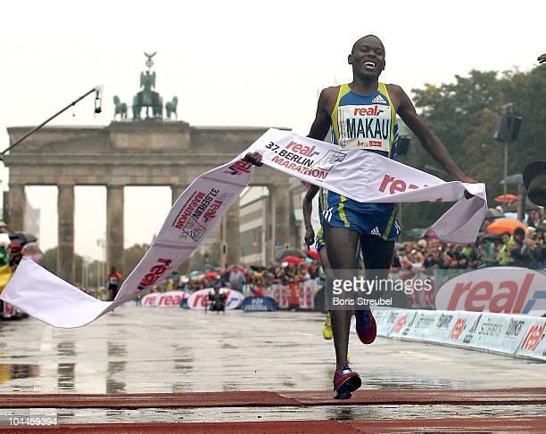 Patrick Makau of Kenya wins the 37th Berlin Marathon on September 26 2010 in Berlin Germany
