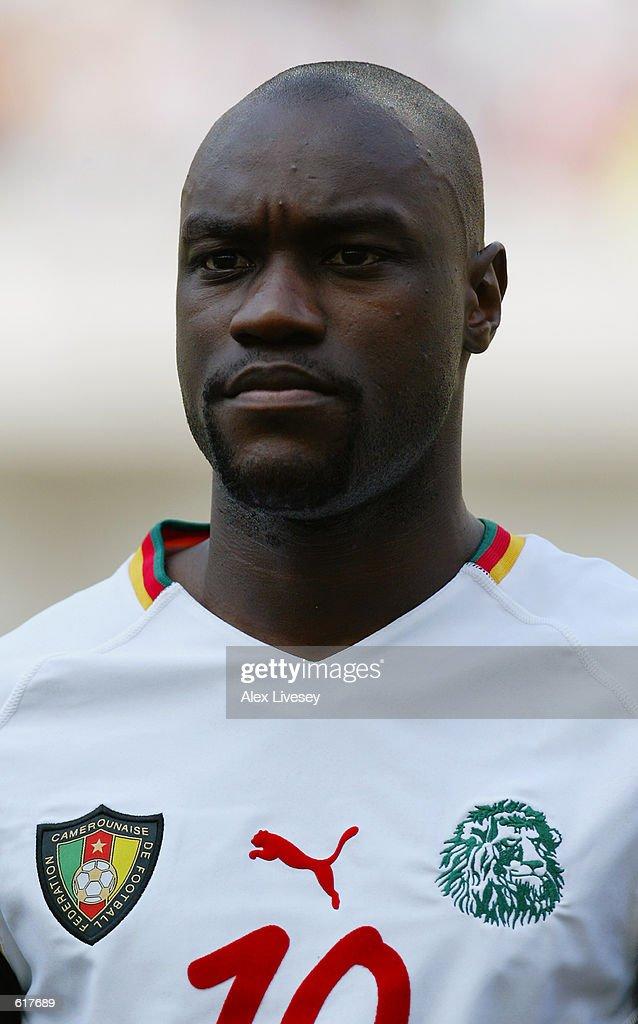 Patrick Mboma of Cameroon : ニュース写真
