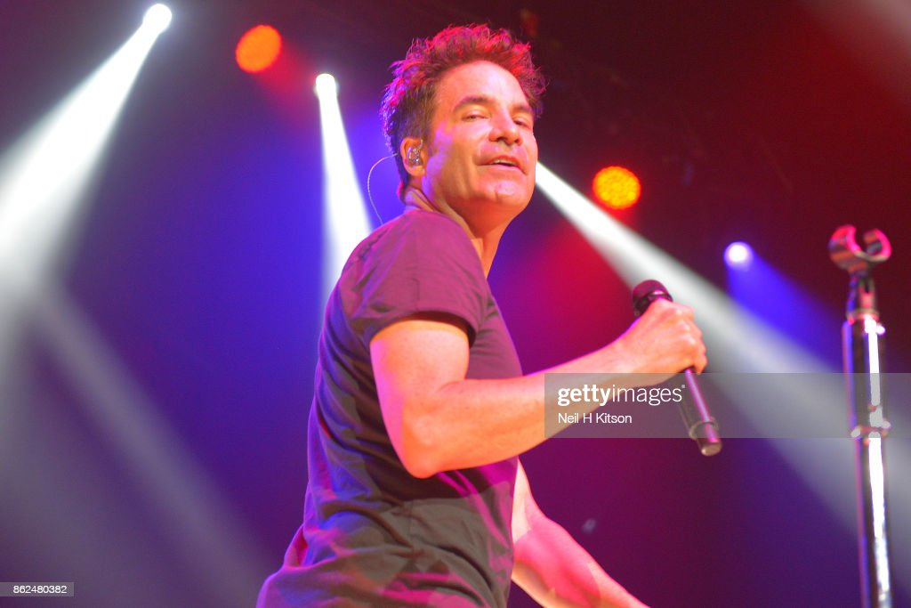 Train Perform At City Hall, Sheffield