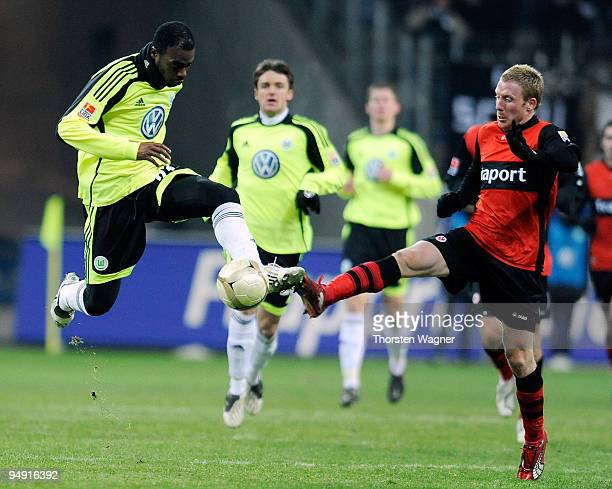 Patrick Ochs of Frankfurt battles for the ball with Grafite of Wolfsburg during the Bundesliga match between Eintracht Frankfurt and VFL Wolfsburg at...