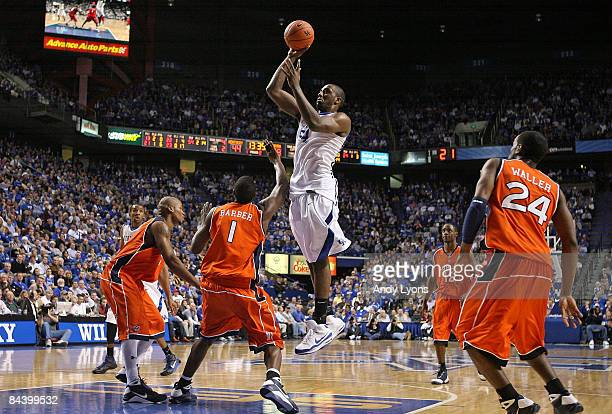 Patrick Patterson of the Kentucky Wildcats shoots the ball during the SEC game against the Auburn Tigers at Rupp Arena on January 21, 2009 in...