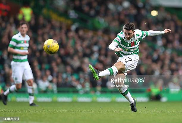 Patrick Roberts of Celtic shoots at goal during the Ladbrokes Scottish Premiership match between Celtic and Motherwell at Celtic Park Stadium on...