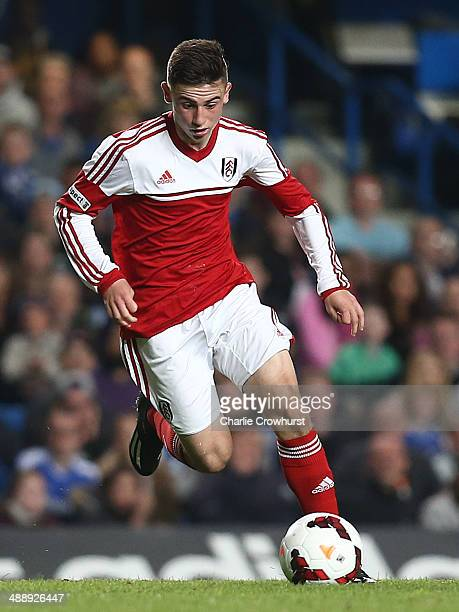 Patrick Roberts of Fulham attacks during the FA Youth Cup Final Second Leg match between Chelsea v Fulahm at Stamford Bridge on May 05 2014 in London...