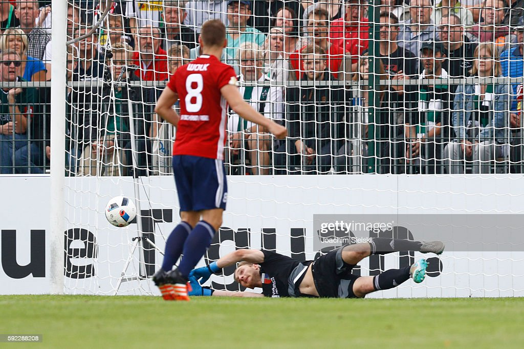 Patrick Siefkes of Drochtersen during the DFB Cup match between SV Drochtersen/Assel and Borussia Moenchengladbach at Kehdinger Stadion on August 20, 2016 in Drochtersen, Germany.