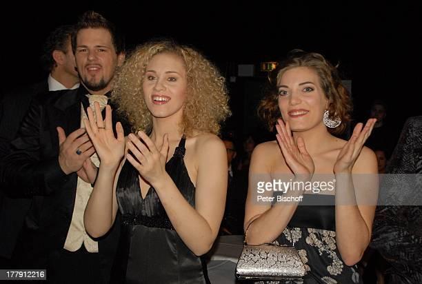 """Patrick Stanke, Sabrina Weckerlin, Roberta Valentini , Premieren-Party zur Europa-Premiere von dem Musical """"Marie Antoinette"""", """"Theater am..."""