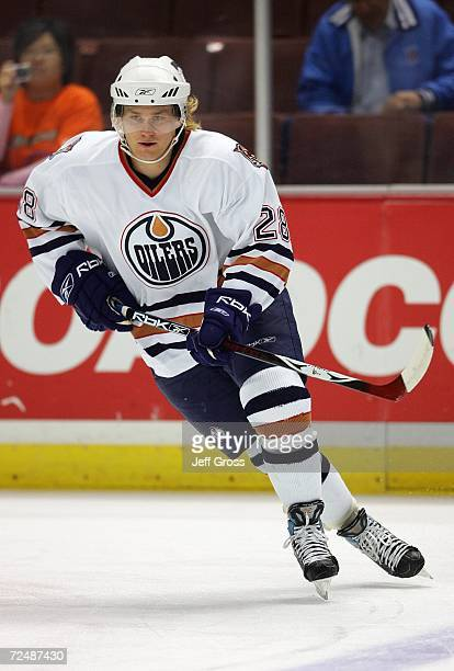 Patrick Thoresen of the Edmonton Oilers warms up prior to the game against the Anaheim Ducks at the Honda Center on October 25 2006 in Anaheim...