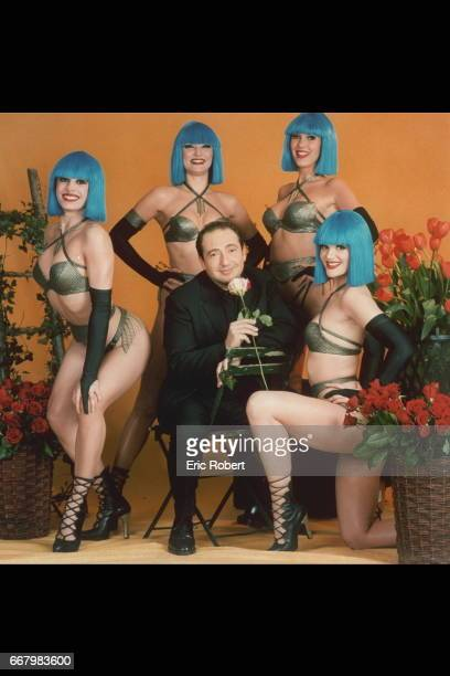Patrick Timsit with the Blue Bell Girls