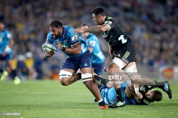 Patrick Tuipulotu of the Blues makes a break during the round 13 Super Rugby match between the Blues and the Hurricanes at Eden Park on May 10, 2019...