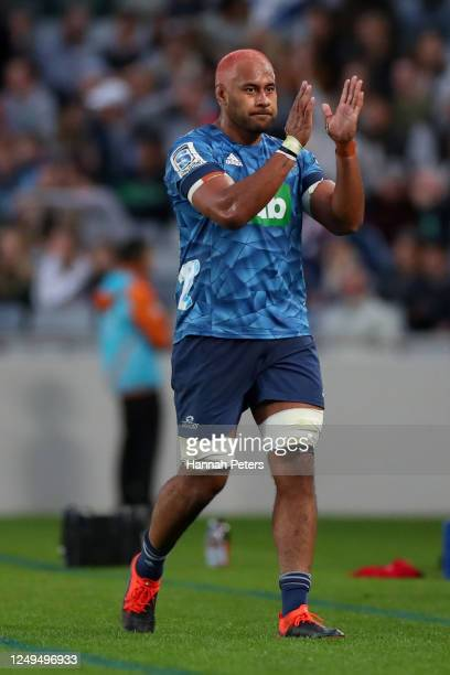 Patrick Tuipulotu of the Blues thanks the crowd during the round 1 Super Rugby Aotearoa match between the Blues and the Hurricanes at Eden Park on...