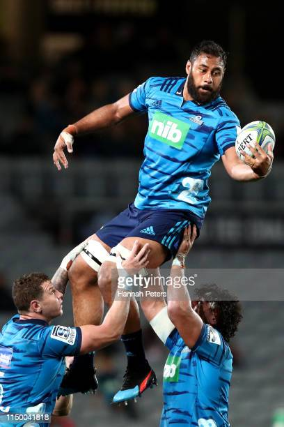Patrick Tuipulotu of the Blues wins lineout ball during the round 14 Super Rugby match between the Blues and the Chiefs at Eden Park on May 18, 2019...