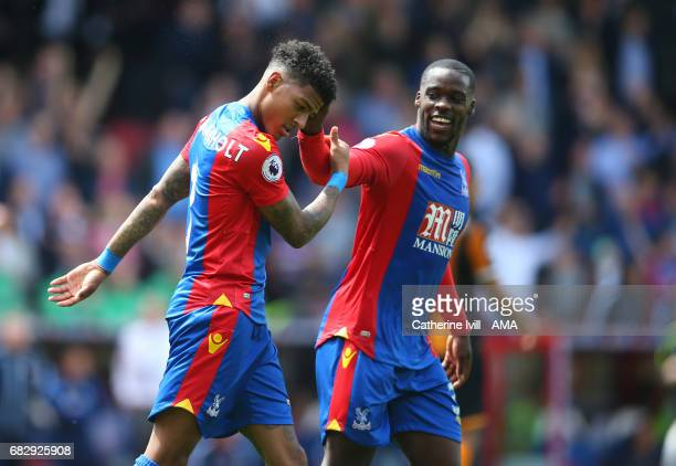 Patrick van Aanholt of Crystal Palace celebrates after scoring to make it 40 with Jeffrey Schlupp of Crystal Palace during the Premier League match...