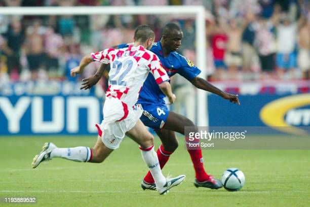 Patrick VIEIRA of France and Nenad BJELICA of Croatia during the European Championship match between Croatia and France at Estadio Dr Magalhaes...