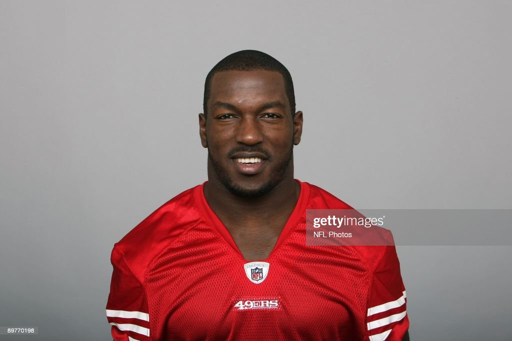 Patrick Willis of the San Francisco 49ers poses for his 2009 NFL headshot at photo day in San Francisco, California.