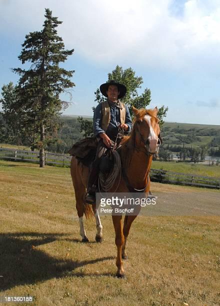 "Patrick Wolff, Pferd ""Smoka"", ZDF-Reihe ""Im Tal der wilden Rosen"", Folge 10: ""Ritt ins Glück"", Manor House, Calgary, Kanada, Nordamerika, Dreh,..."