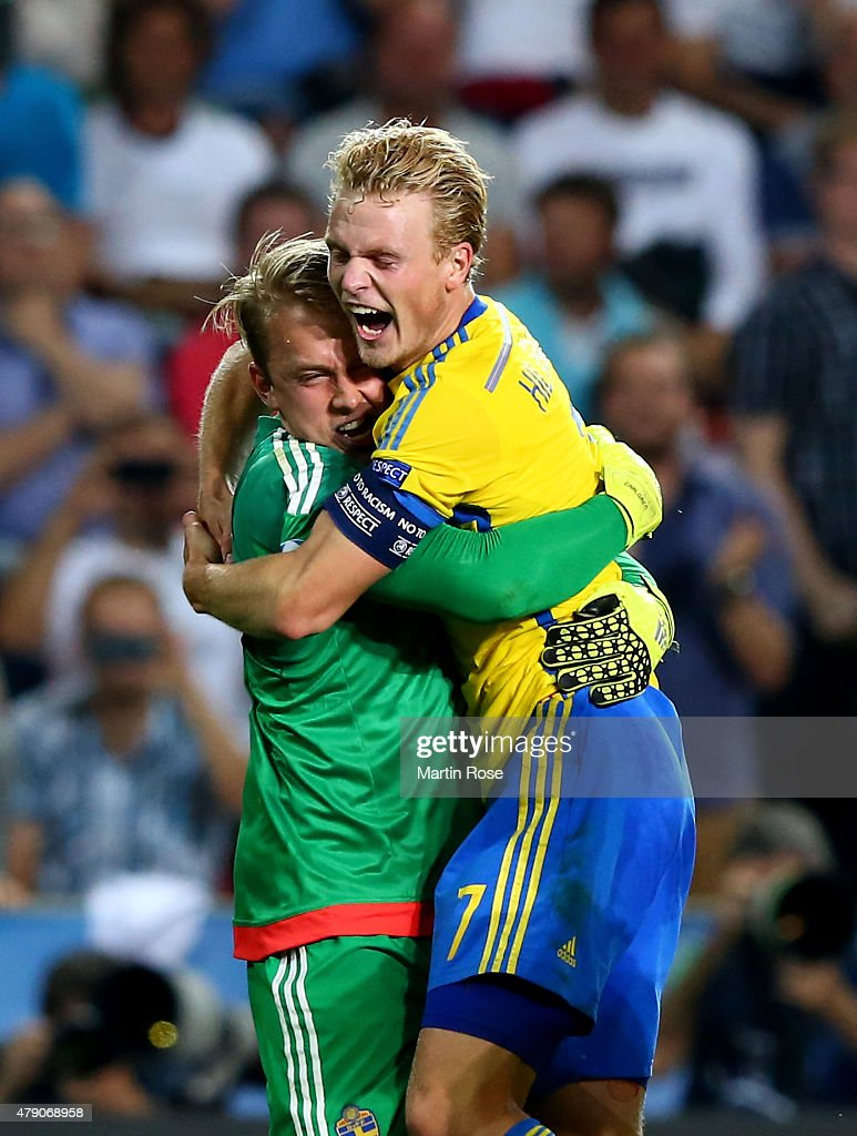 Patrik Carlgren (L), goalkeeper of Sweden celebrate with team mate Oscar Hiljemark after penalty shoot out during the UEFA European Under-21 final match between Sweden and Portugal at Eden Stadium on June 30, 2015 in Prague, Czech Republic.