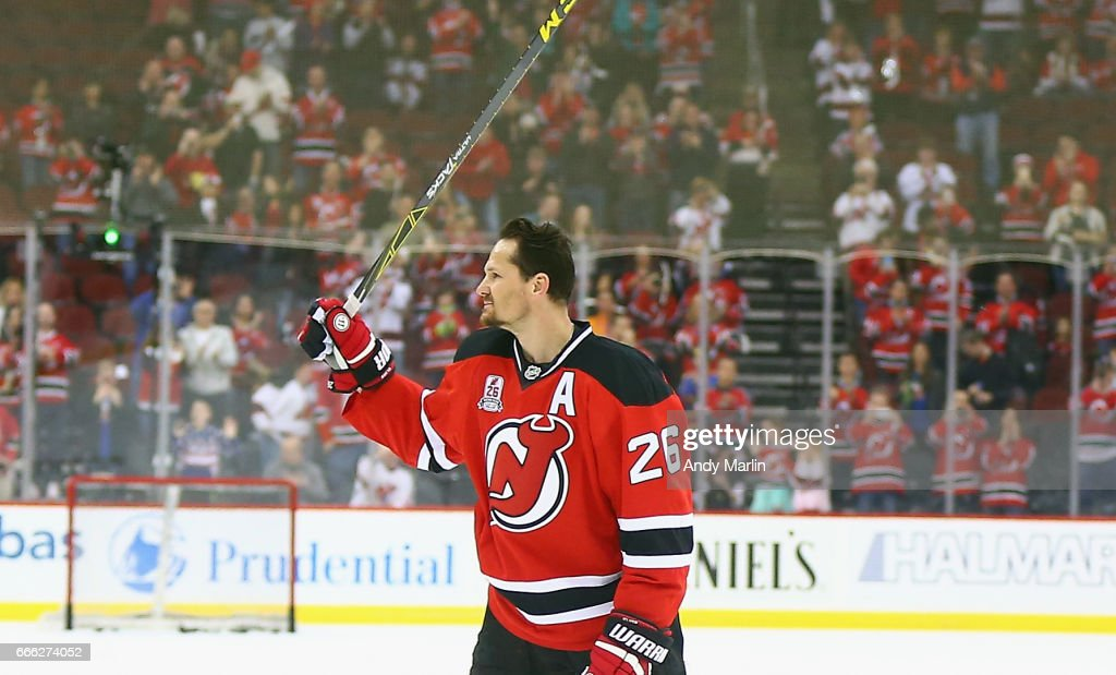 Patrik Elias #26 of the New Jersey Devils salutes the fans during his last warmup skate after announcing his retirement prior to the game against the New York Islanders at Prudential Center on April 8, 2017 in Newark, New Jersey.