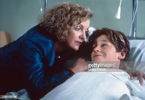 Patrik Pacard, Fernsehserie, Deutschland 1984, Regie: Gero Erhardt, Darsteller: Gila von Weitershausen, Hendrik Martz.