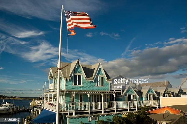 patriotic house - martha's_vineyard stock pictures, royalty-free photos & images