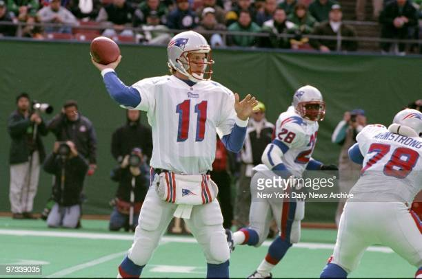 Patriots Drew Bledsoe gets set to pass during game vs New York Jets